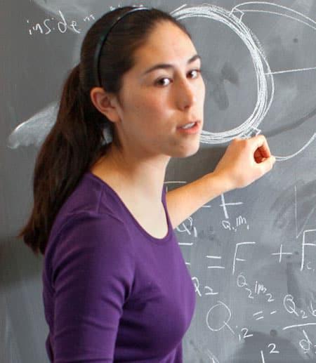 ALI physics class student