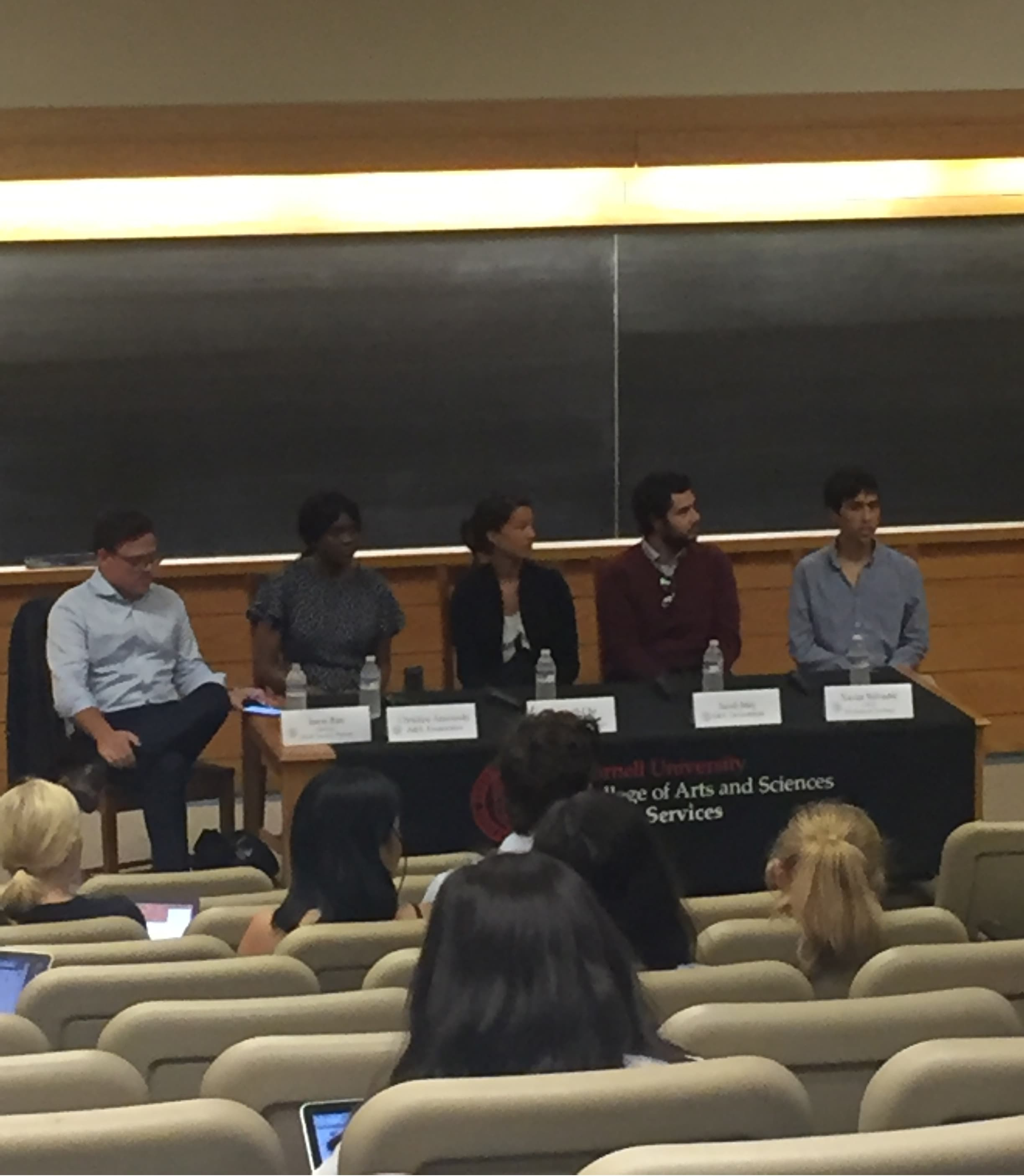 Four student panelists talking about their internship experiences