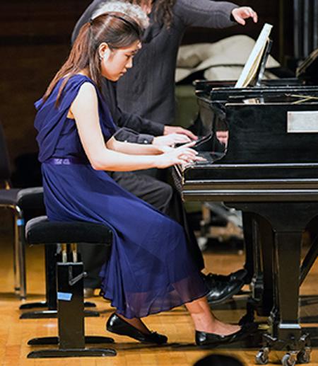 """Pianist Yujin """"Stacy"""" Joo '16"""