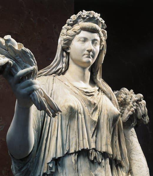 Statue of a Roman woman