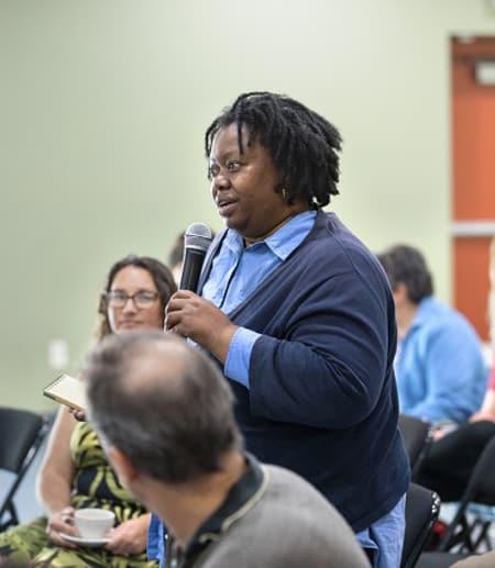 Speaker in community setting