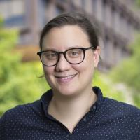 Headshot of Amy Krosch