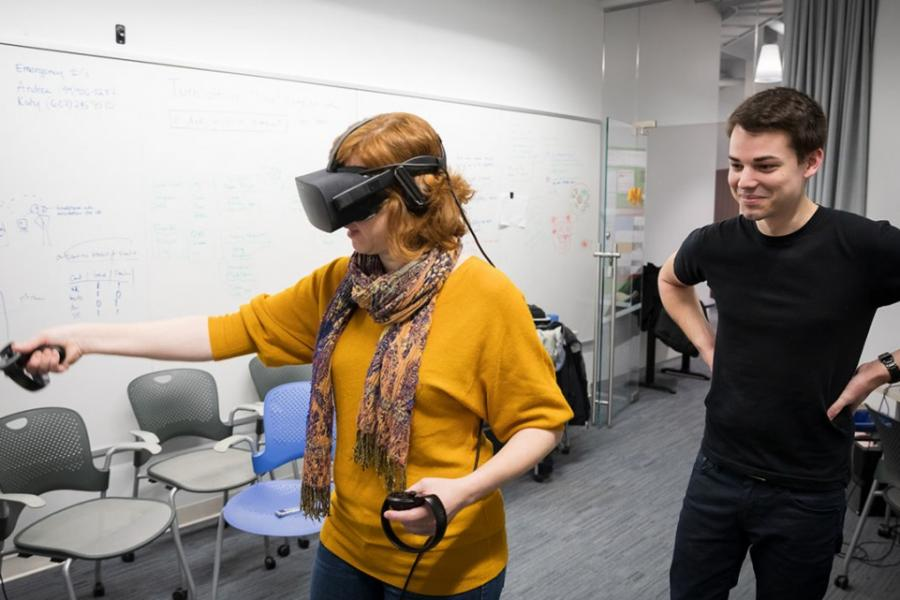 Education researchers using VR technoloy
