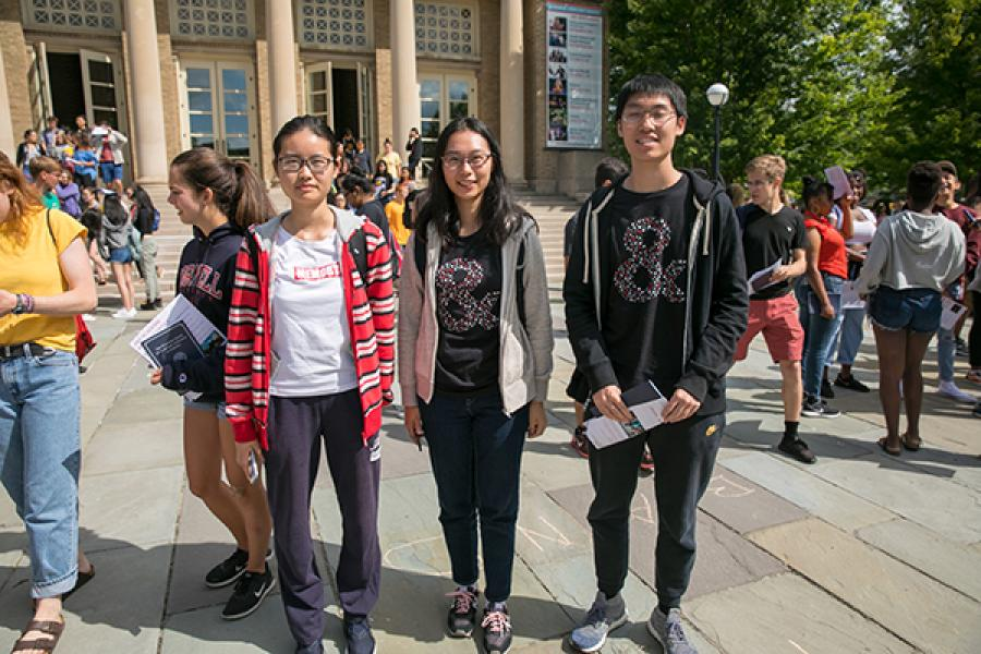 New students in A&S t-shirts